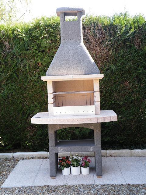 du four au jardin et mes dix doigts nouveau barbecue. Black Bedroom Furniture Sets. Home Design Ideas