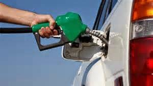 Tips dan Cara mengemudi mobil agar irit bahan bakar.