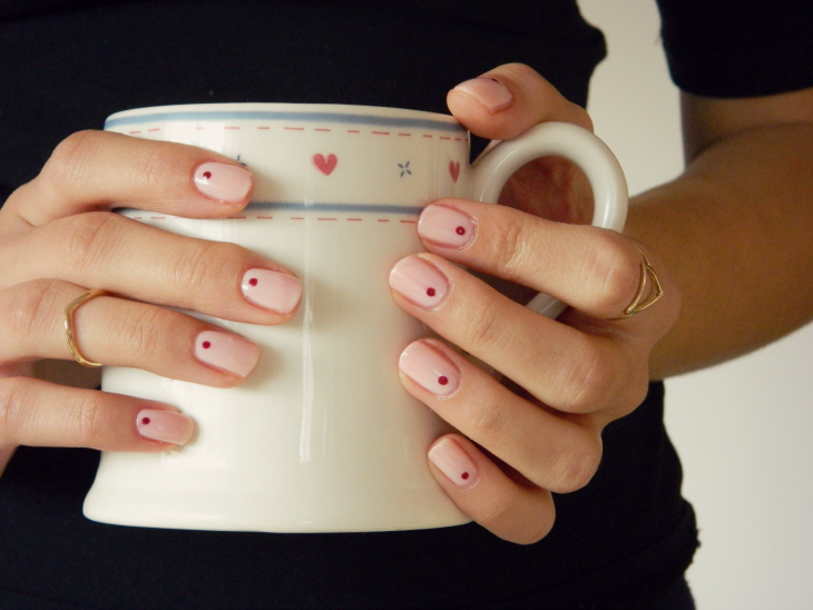 Love From Lisa Minimal Nail Art - Single Dots