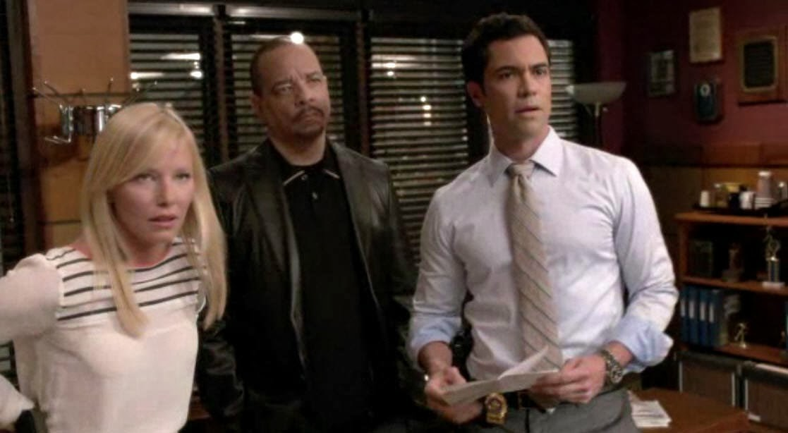 are detective amaro and rollins dating Watch law & order: special victims unit season 14 episodes online with help from sidereel we connect you to show links, recaps, reviews, news and more.