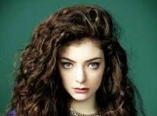 Lorde canta o tema de Megan e Arthur