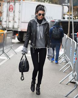 Kendall Jenner – Enters the Victoria Secret Rehearsal Show in New York 4.jpg