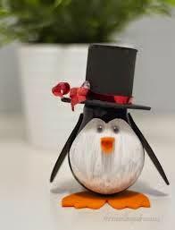 Pingüinos con Bombillas Recicladas