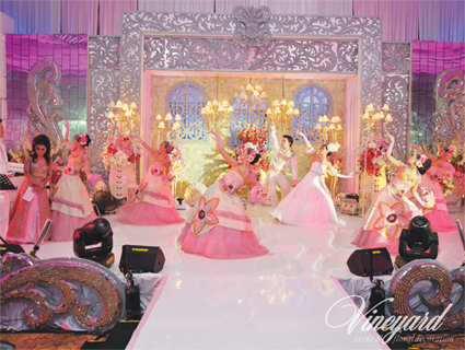 Vineyard event floral decoration surabaya pretty in pink wedding junglespirit Gallery