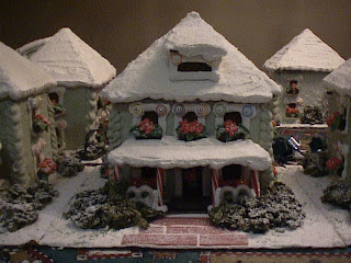 Mt Hood Gingerbread Bungalow by Loreta Wilson (Ultimate Gingerbread)