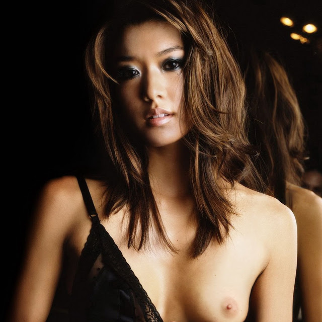 Amber chia fhm pictures nude