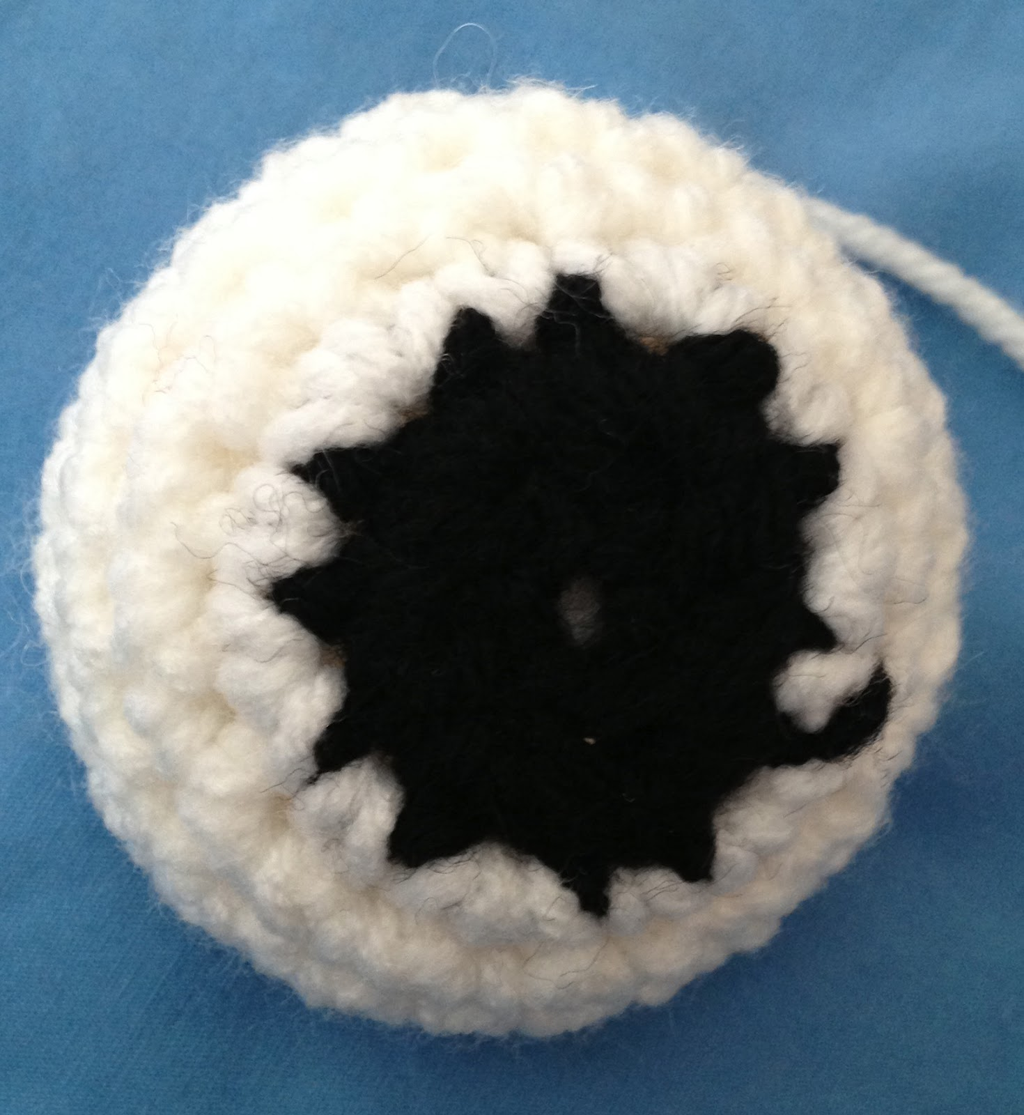 Crochet Eyes : Crochet Eyes and Balls