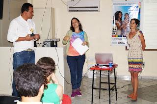 Luciano, Ana Lívia e Sula, membros do Centro de Cidadania LGBT – Serrana 1 falam aos educadores de Teresópolis