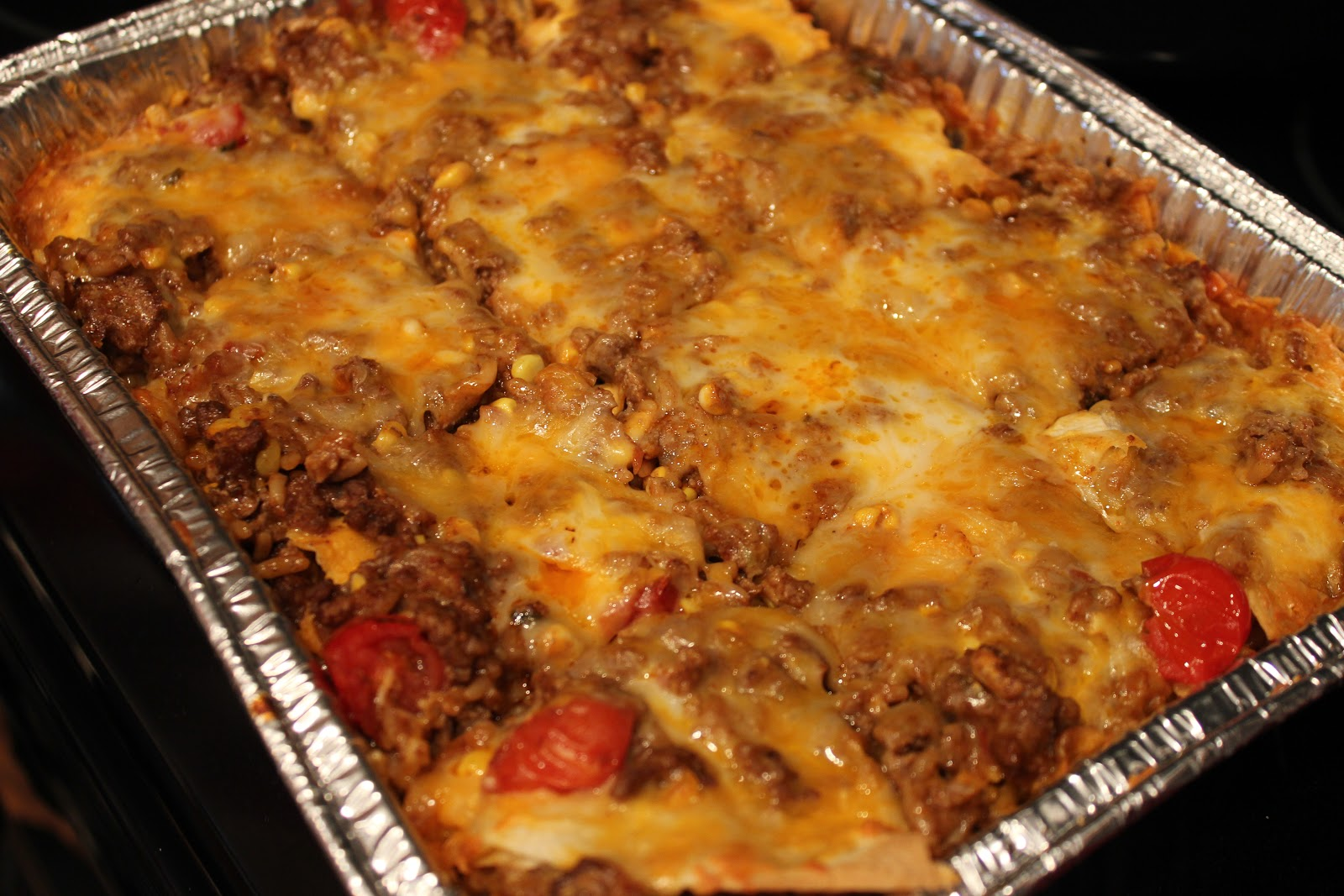 Never trust a skinny cook....: Beef enchilada casserole