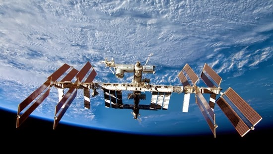 Stasiun Luar Angkasa Internasional Ulang Tahun ke-15