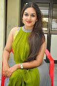 Prayaga Martin Glamorous photos-thumbnail-10