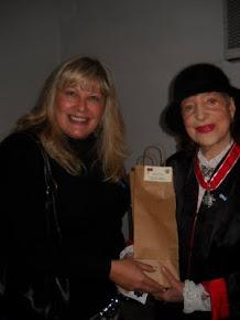 El 26 de mayo la condesa de Chikoff recibió la condecoración de la Flor de Lis