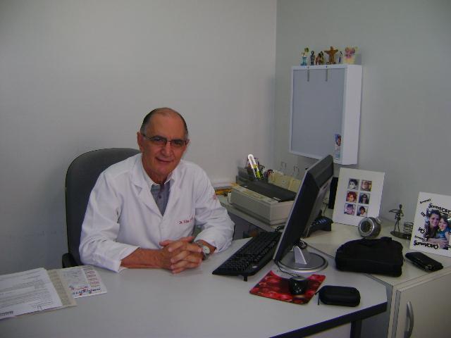DR. ELIAS CARLOS D'AVILA- UROLOGISTA - CRM-BA 4441,