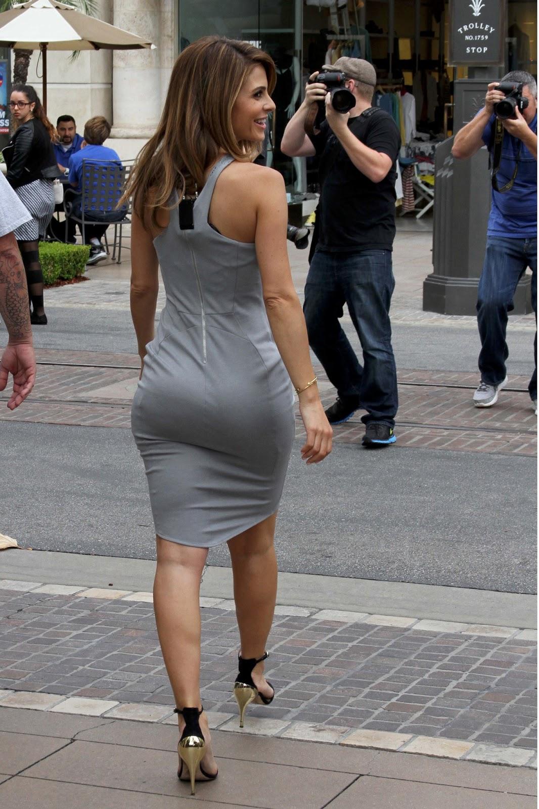 Hot Wallpaper Maria Menounos In Sexy Dress
