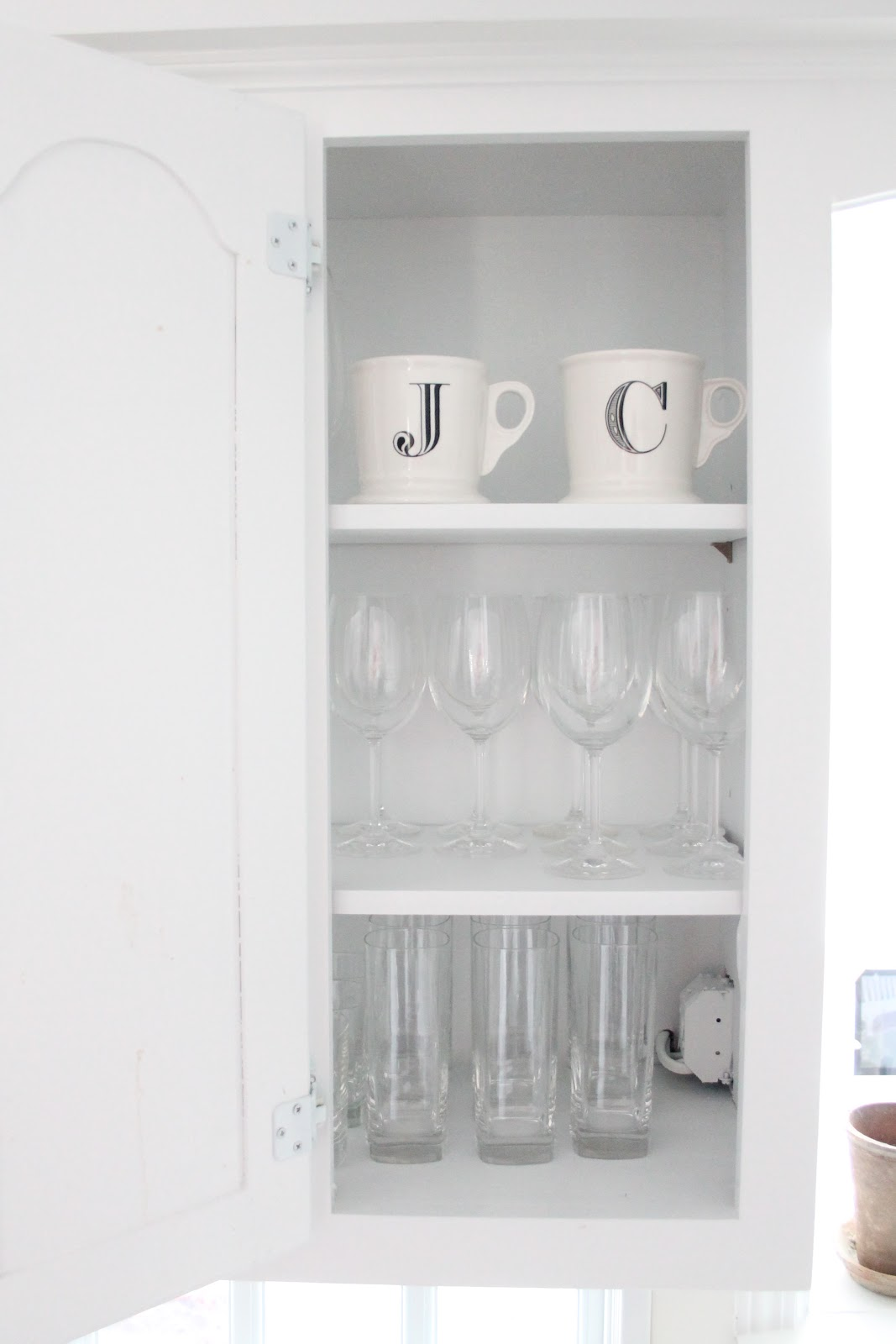 How to organize your kitchen cabinets julie blanner for Signoraware organise your kitchen set 8 pieces