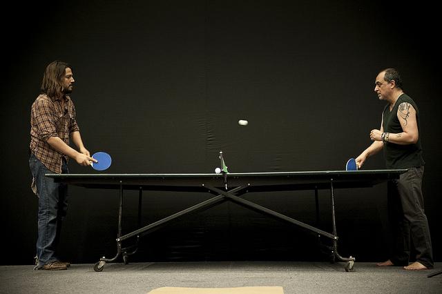 Daniela entre l neas aullido for Madison tenis de mesa