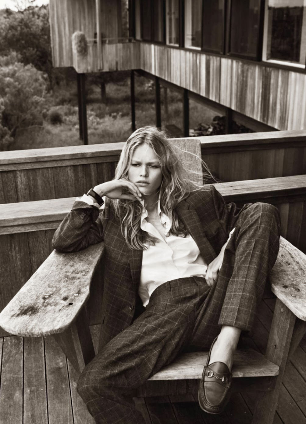 Anna Ewers in Hamptons | Vogue Paris October 2013 (photography: Josh Olins, styling: Geraldine Saglio)