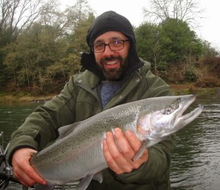 Southern oregon fishing umpqua river rogue river for Umpqua river fishing report