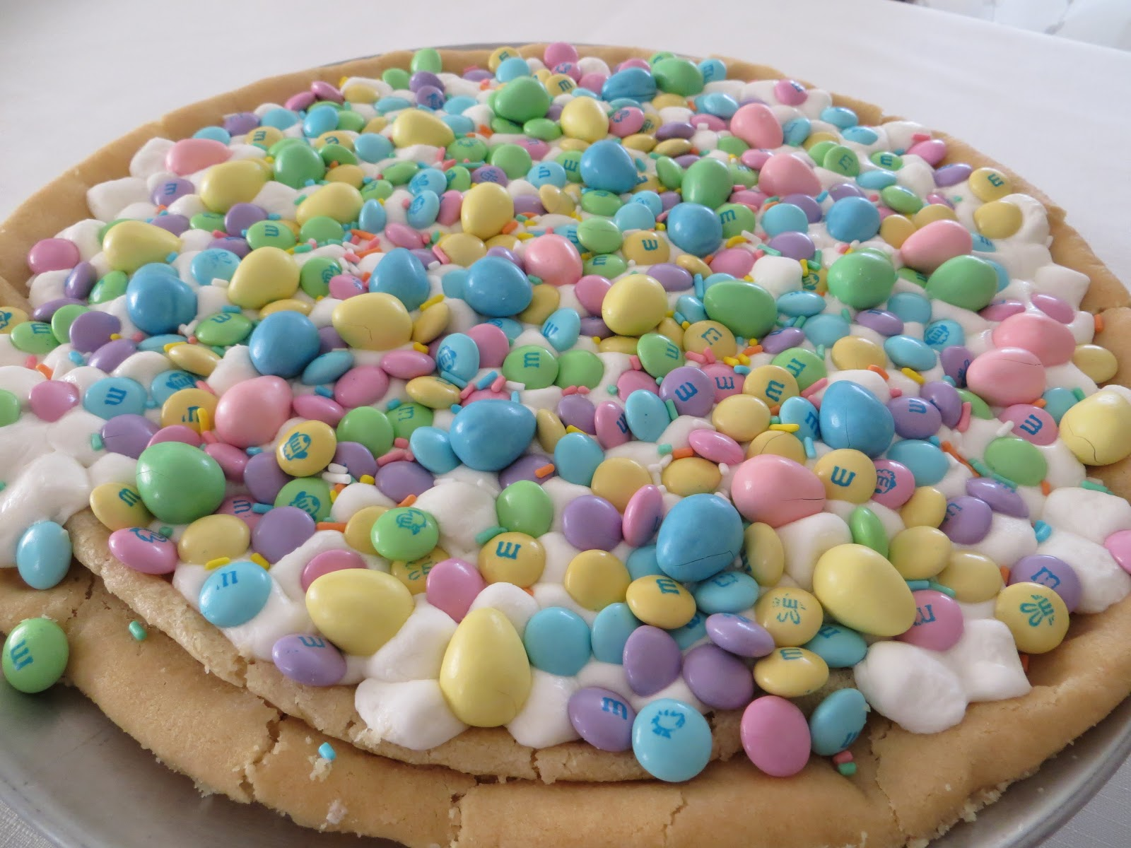 Coast With Me: Spring Cookie Pizza