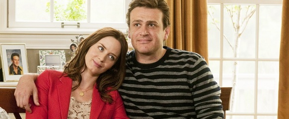 Emily Blunt e Jason Segel em CINDO ANOS DE NOIVADO (The Five-Year Engagement)