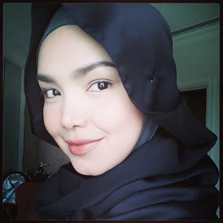 Siti Nurhaliza Bertudung