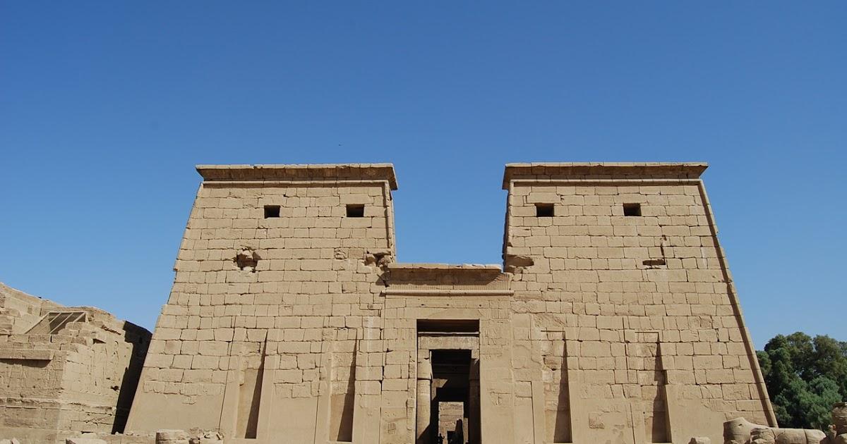Arquitectura egipcia templo de khonsu for Arquitectura egipcia