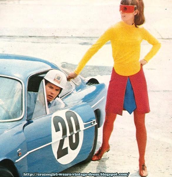 1966 skirt race car 60s 1960 Jupe flanelle tricolore à plastron cravate. CACHAREL  Maillot à boutonnage bébé . DELFIEU