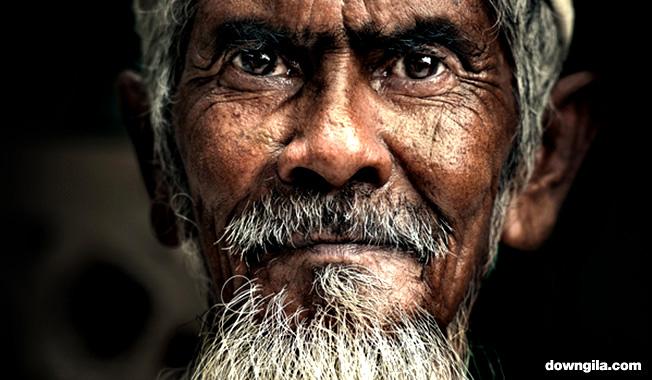 Orang tua old man downgila ATM malaysia