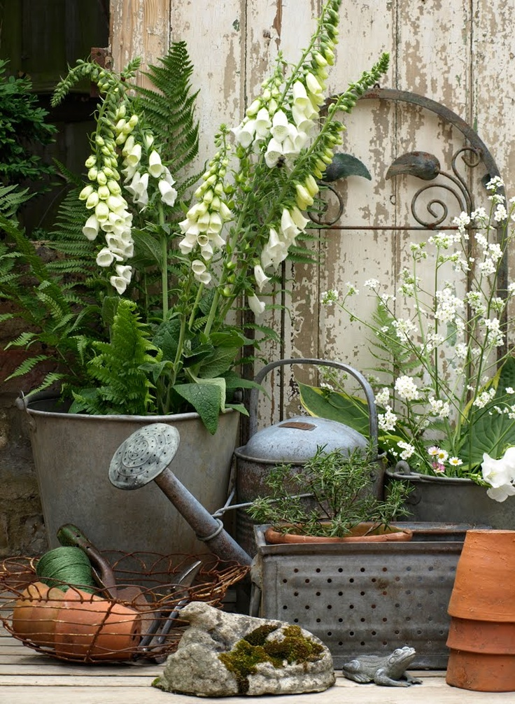 Take five vintage outdoor decor the cottage market for Landscape decor ideas