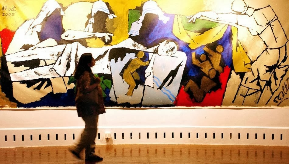 a comparison of the high culture and the mass culture Mass culture is a set of cultural values and ideas that arise from common exposure of a population to the same cultural activities, communications media, music and art, etc mass culture becomes possible only with modern communications and electronic media.