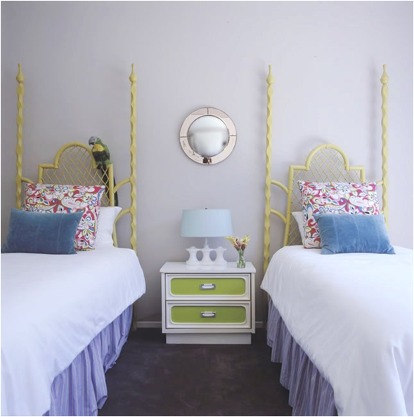 Decorating girls room with two twin beds room design ideas for Room design 2 twin beds