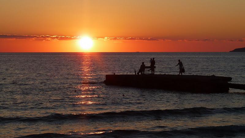 Sonnenuntergang am Strand von Arillas im Nordwesten der Insel Korfu (Griechenland)