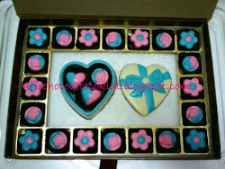 SET CHOC LOVE BOX ~ SIZE 'S' W 23 PRALINES