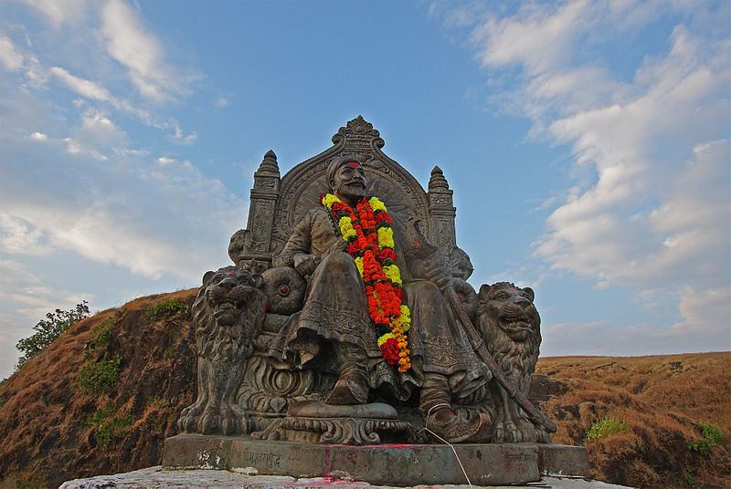 best tourist places fort in maharashtra