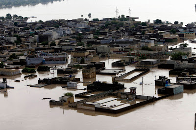PAKISTAN: Más de 200 muertos y 220 mil afectados por lluvias del monsón Pak_flood24