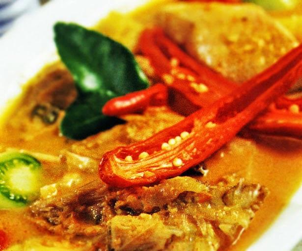 http://resep7.blogspot.com/2015/01/resep-gulai-kambing-gurih-khas-solo.html