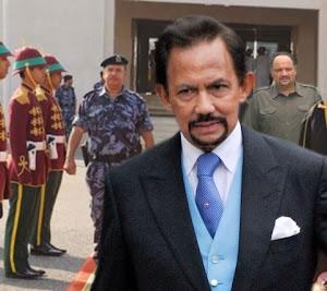 د. رشيد الطوخي ضمن الوفد المرافق لسلطان بروناي حسن البلقيه