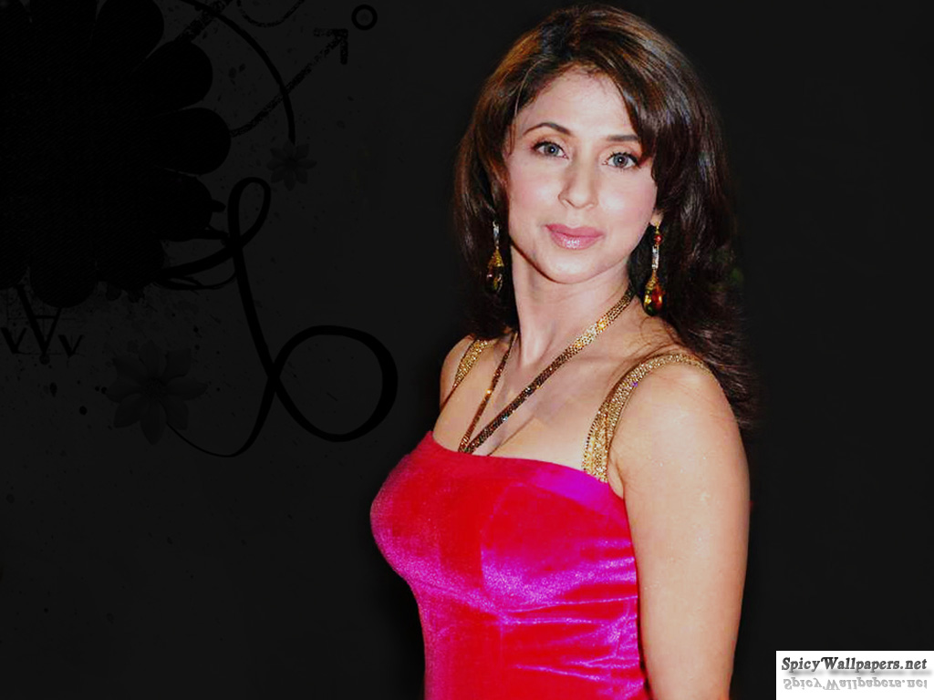 High Quality Bollywood Celebrity Pictures: Urmila