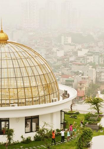 Hệ thống vườn sinh thái nhiệt đới trên nóc các toà nhà chung cư Royal City.