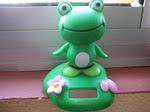 La rana bailona, se mueve con el sol, como yo
