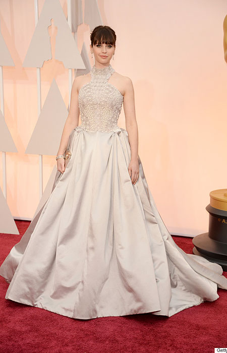 Фелисити Джоунс в бална рокля на Оскари 2015