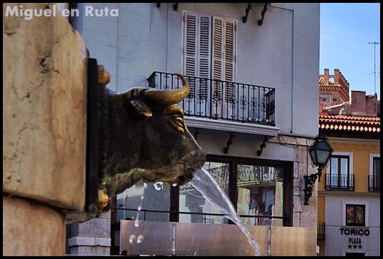 Plaza-del-Torico-Teruel