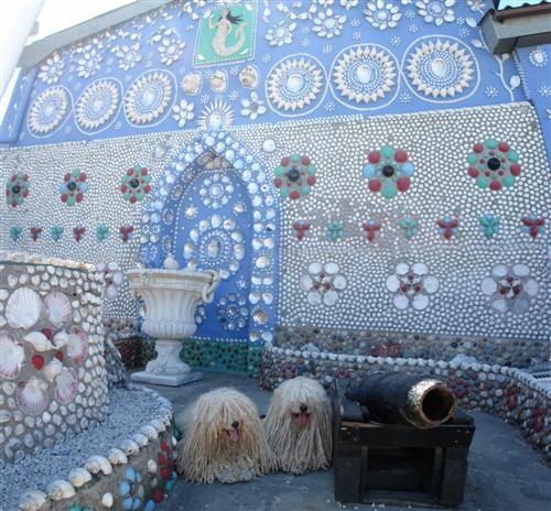 Seaside style casa concha sea shell houses for Seashell mosaic art