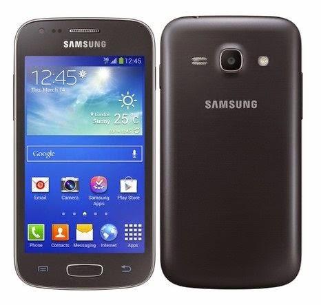 Galaxy Ace 3 é mais compacto e mais leve do que o Moto G