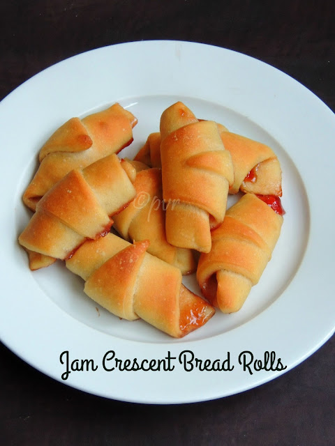 Jam stuffed crescent bread rolls