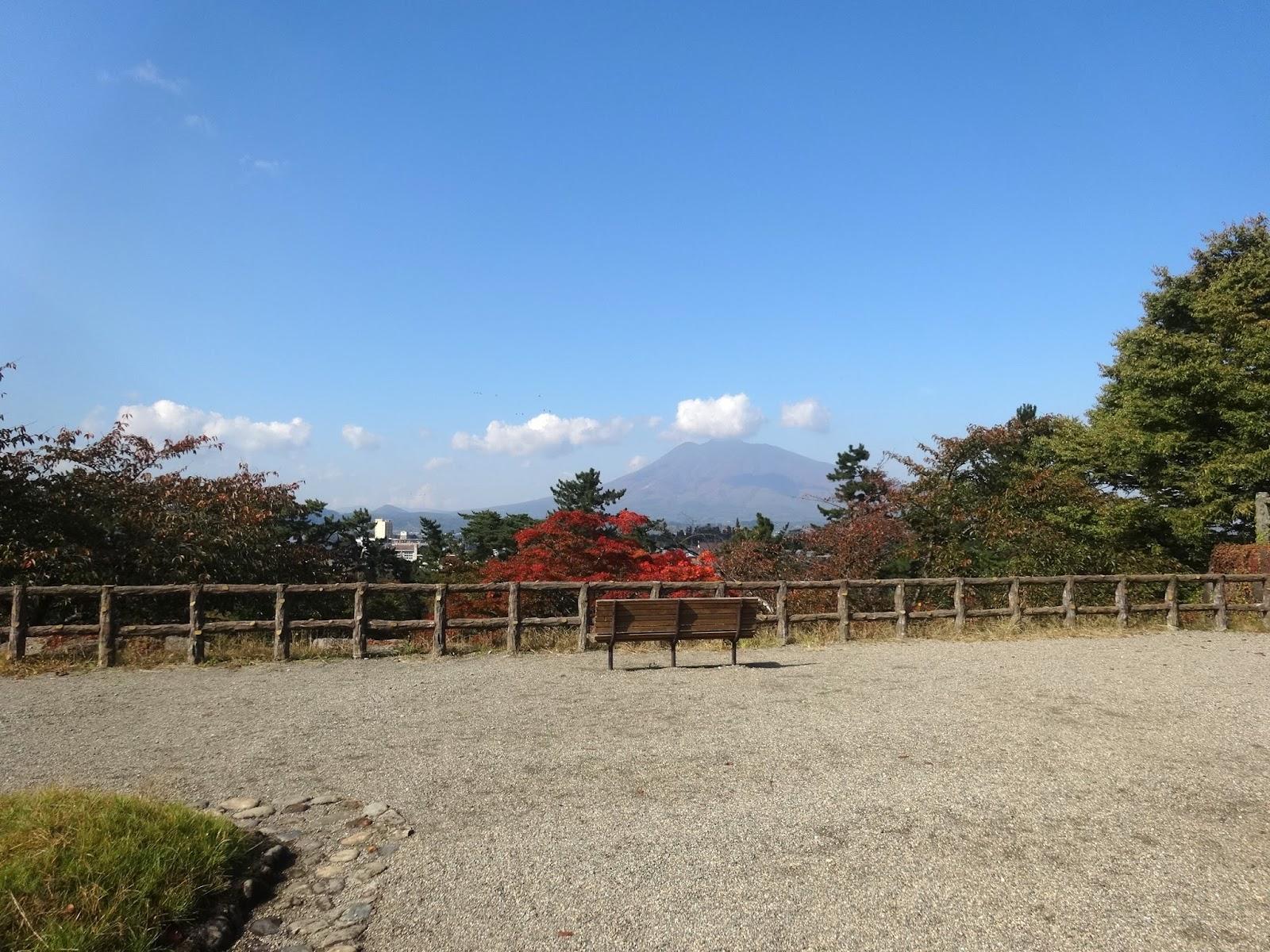 ベンチ,弘前公園,岩木山〈著作権フリー画像〉Free Stock Photos