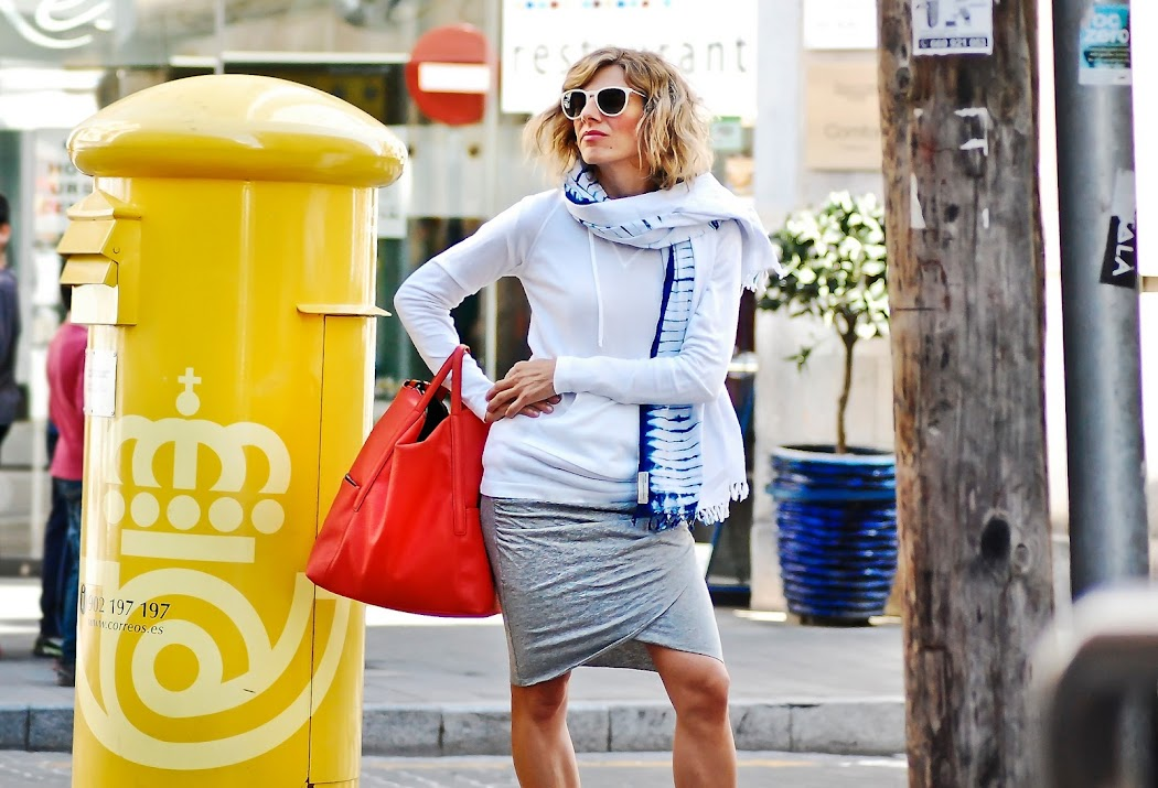 falda gris y...-48005-rociociudad