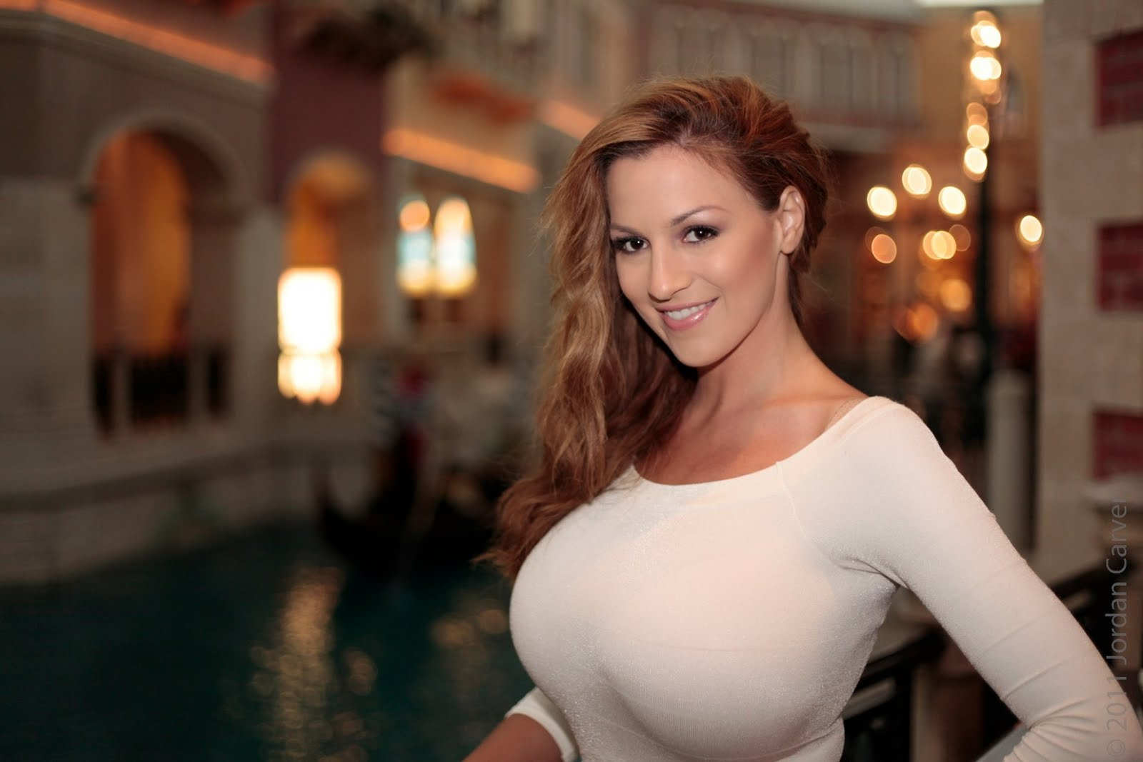 Jordan Carver Hot Wallpapers