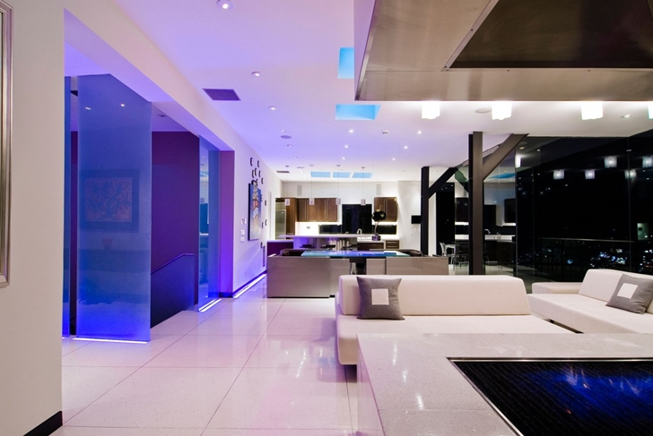 World of architecture impressive hollywood mansion by for Modern mansion interior
