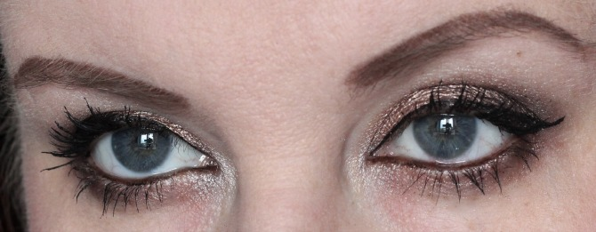 Makeup Revolution palette look on the eyes with Bourjois mascara